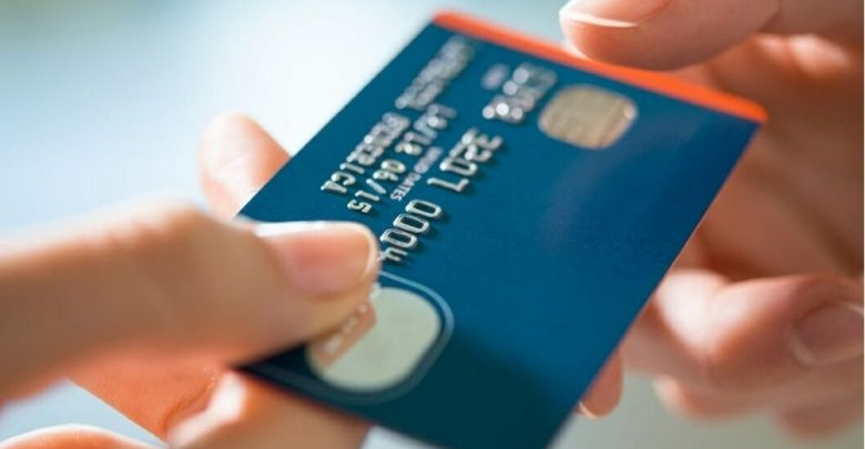 7 Common Credit Card Mistakes People Make & Then Regret Later!
